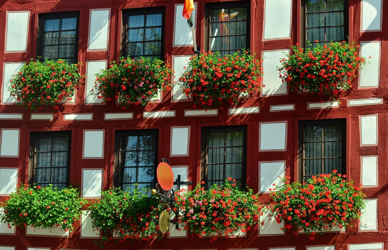 Fachwerkhaus Fassade Geranien
